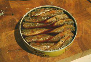 Canned Fish Tamorlan Wikimedia Commons